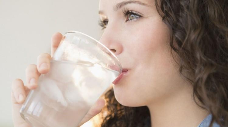Yaz Aylarında Yeterince Su İçmediğimizde Neler Olur?